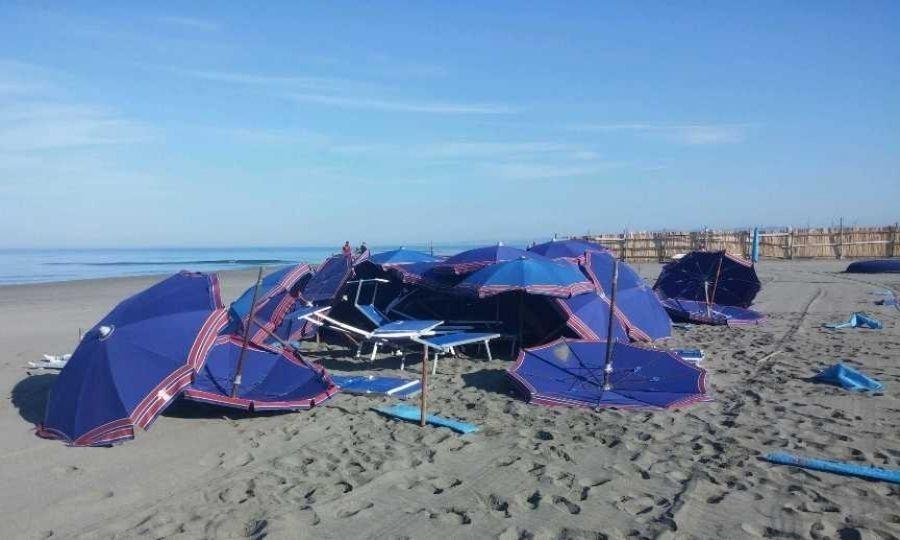 Ancora vandali sulla spiaggia del Lido