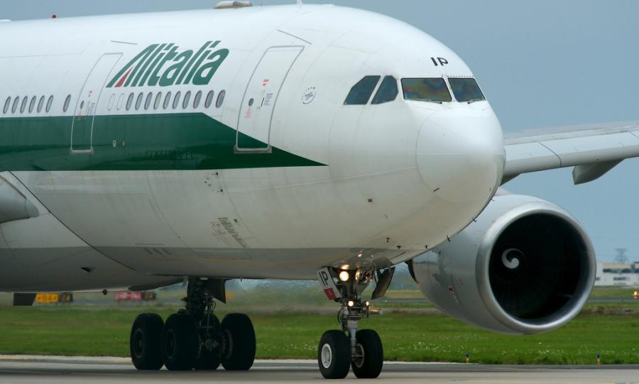 Gabbiano su aereo, atterraggio d'emergenza a Fiumicino