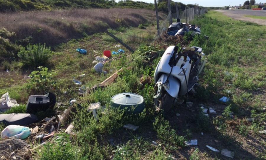 Lungomare Maccarese, la vergogna dei rifiuti