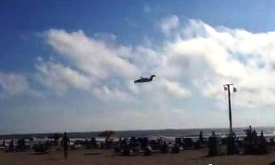 Quello strano aereo sulla spiaggia ieri pomeriggio