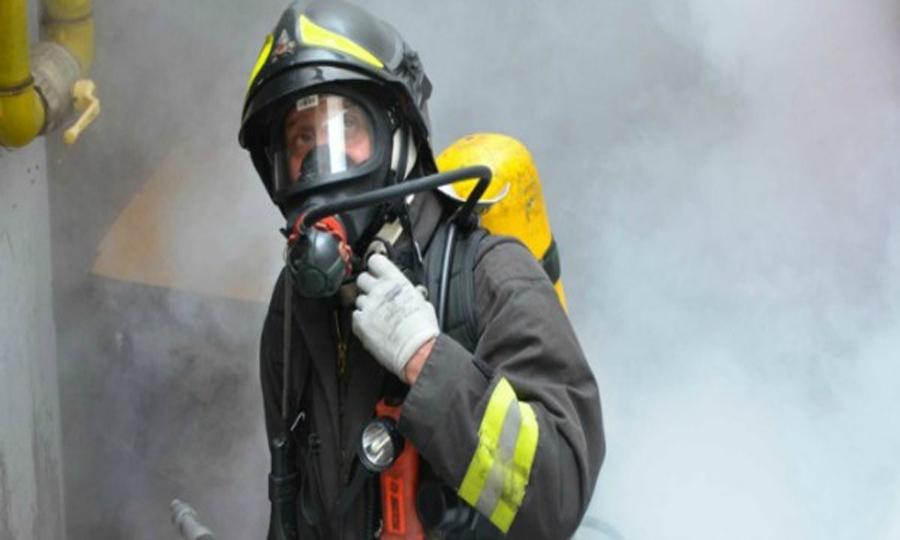 Incendio in cantiere nautico Fiumicino