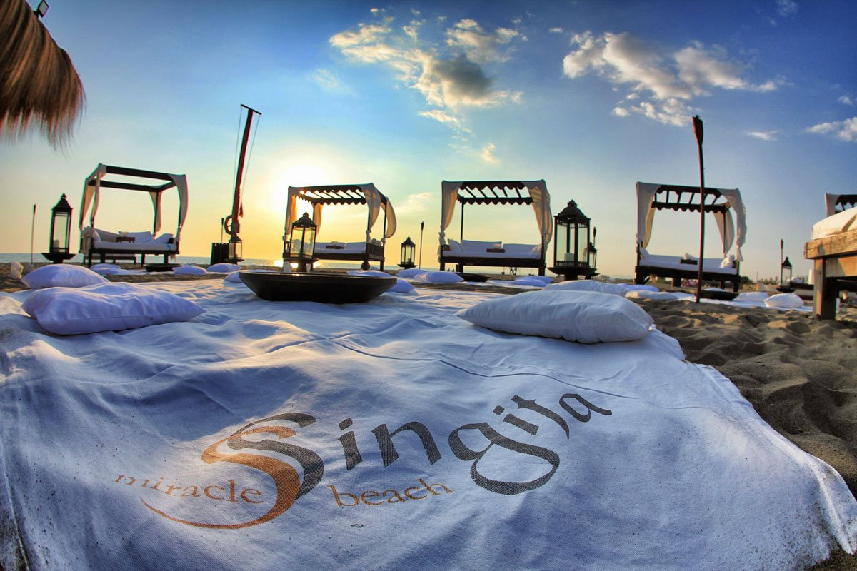 Singita-Miracle-Beach-sunset-beachw