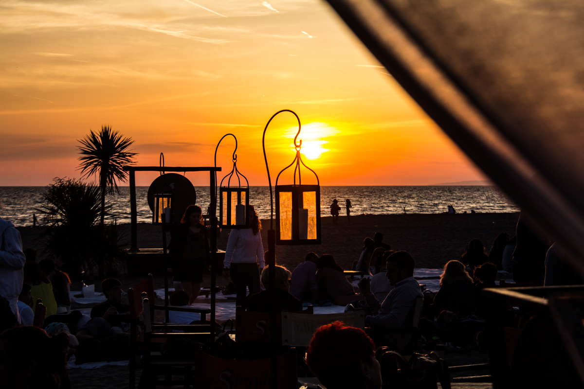 Singita-Miracle-Beach-sunset-lamps-7