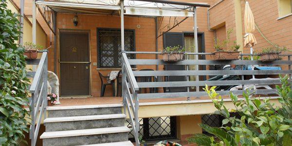 Fiumicino – affitto graziosa villa a schiera bilivello
