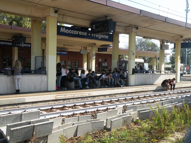 Stazione Maccarese pendolari 2