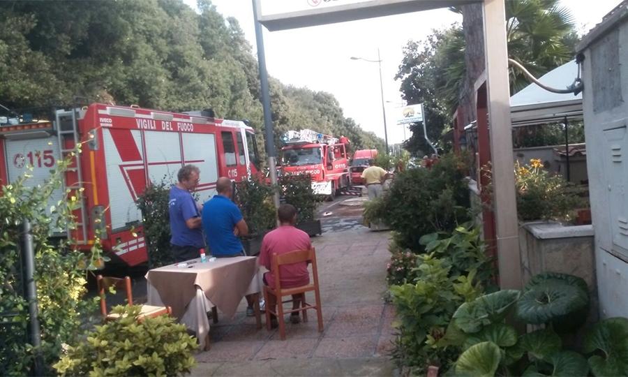 Fulmine colpisce casa su viale Castellammare