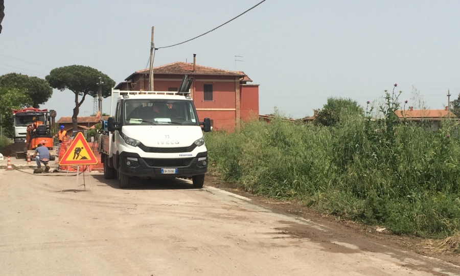 Viale Maria senza acqua, autobotti a istituto agrario