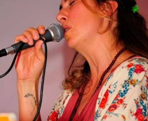 Il 26 agosto all'Hang Loose Acoustic Mood con Erika Scherlin
