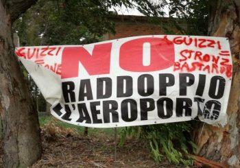 """Atto vandalico contro manifesto, FuoriPista: """"Una vigliaccata"""""""