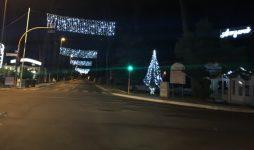 Luminarie su viale della Pineta, bell'effetto