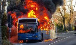 Truccavano manutenzione bus Cotral, un arresto e 50 indagati
