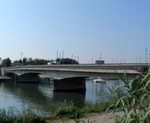 Chiuso il ponte della Scafa, caos per raggiungere Ostia