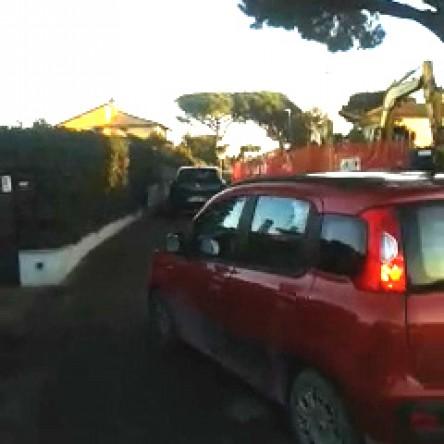 Viale di Porto, i furbetti del marciapiedino