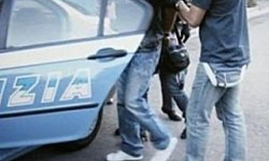 Blitz Polizia, 2 uomini in manette