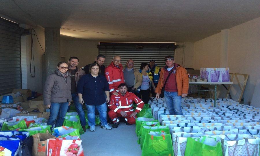 Natale solidale, distribuzione pacchi