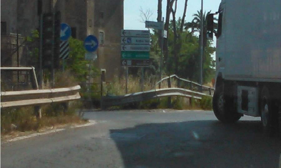 Ponte Arrone, chi paga i danni al guard rail?