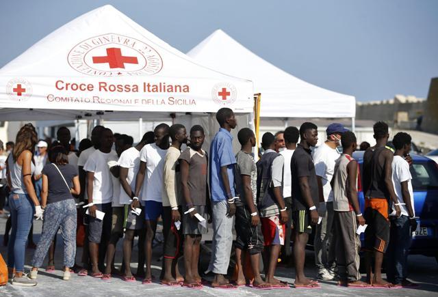 migranti croce rossa