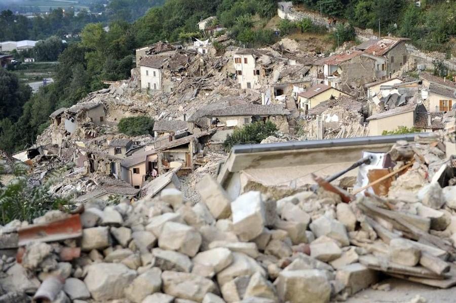 terremoto (2) (900 x 598)