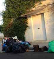 rifiuti piazzetta Conad (6)